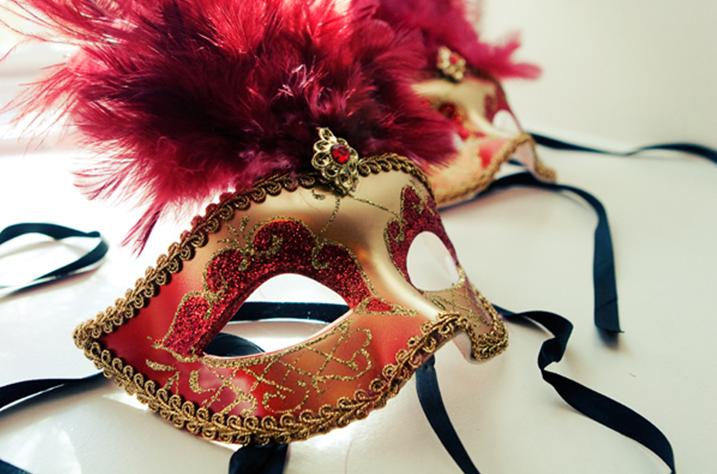 cosmetic dentist montreal, dental veneer represented by a mask